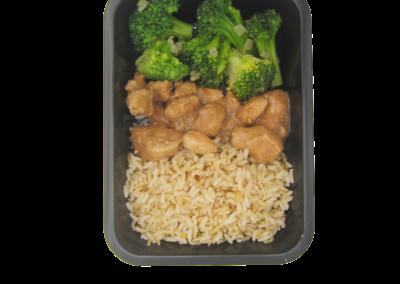 bocconcini pollo mandorle con riso e broccoli